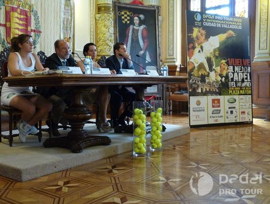El_Padel_Pro_Tour_en_la_plaza_mayor_de_Valladolid
