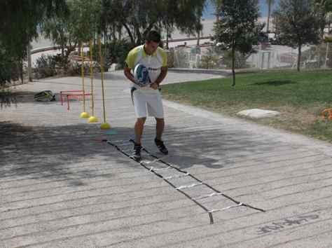 Entrenamiento en cuestas para jugadores de padel