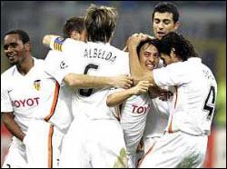 Los jugadores del Valencia cambian el fútbol por el padel
