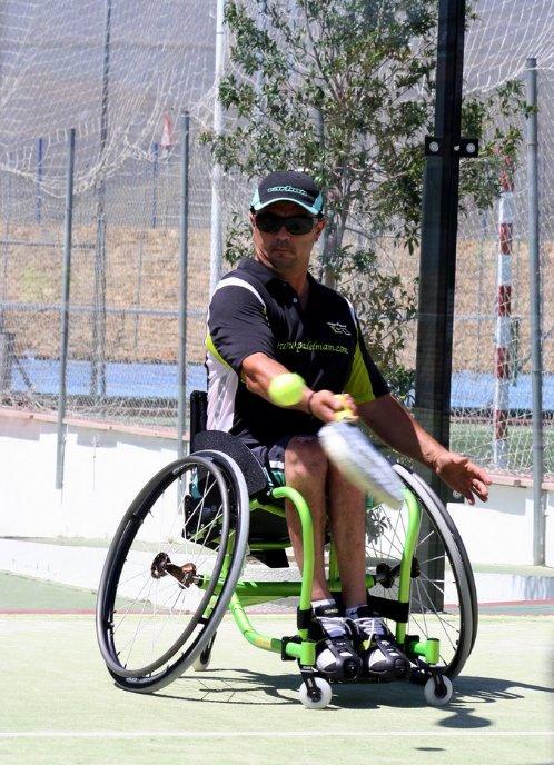 Curso-clínic de pádel adaptado en silla de ruedas en Barcelona